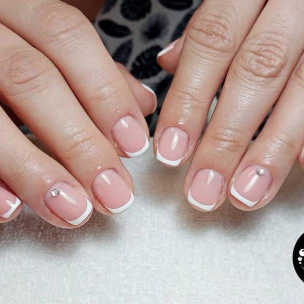 manicure hybrydowy french