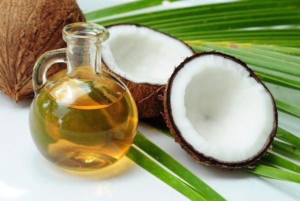 Masaż olejem kokosowym
